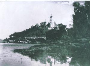 Вид на монастир з р.Рось